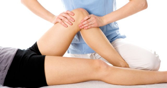 Injury treatment on a knee joint